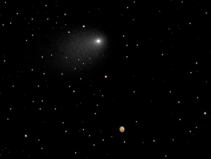 3846_Comet_and_Mars_close_together_against_a_backdrop_of_stars..jpeg